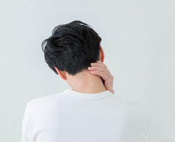首の痛みの原因について